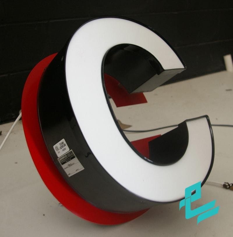 frontlit backlit big1 min cccc تابلو چلنیوم چگونه ساخته می شود؟